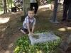 grave_ceremony_31